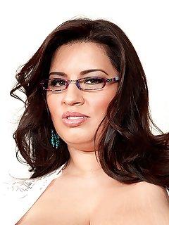 Latina BBW Pics