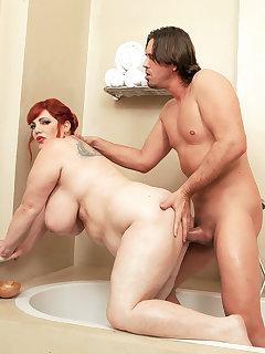 Redhead BBW Pics